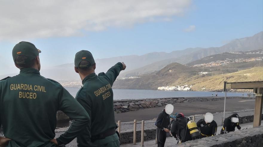 La Guardia Civil investiga a 8 centros de buceo de Tenerife por 61 infracciones administrativas