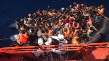 Unos 300 inmigrantes rescatados este jueves en una decena de pateras en las costas andaluzas