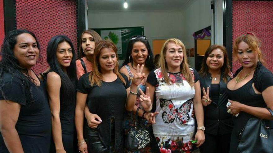 """La primera peluquería """"trans"""" de Argentina da un portazo a la prostitución"""