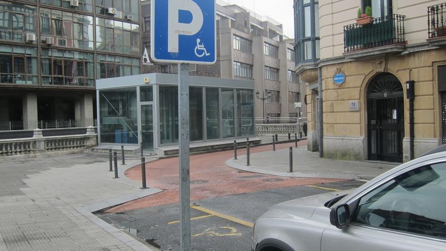 PSE pide que las personas con discapacidad visual aguda disfruten de la tarjeta de aparcamiento para discapacitados