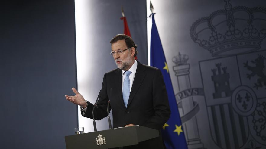 """Rajoy avisa a Mas que """"no mirará para otro lado"""" y que los que no cumplen ley son """"enemigos"""" de los ciudadanos"""