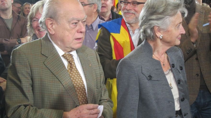 El ex presidente de la Generalitat, Jordi Pujol, junto a su esposa, Marta Ferrusola. Foto: Europa Press