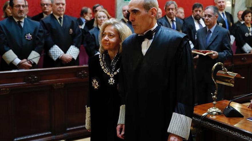 Luzón toma posesión como jefe de Anticorrupción amadrinado por Madrigal