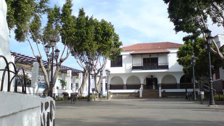 La oposición acusa al alcalde de San Mateo de no guardar cuarentena tras saberse que cuatro concejales tienen COVID