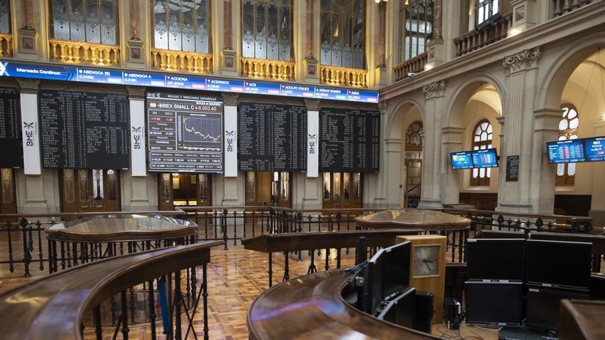 Interior del Palacio de la Bolsa, en Madrid, (España)