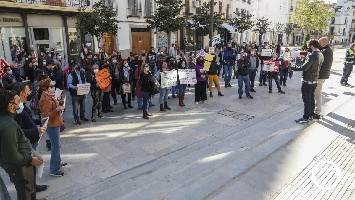 Protesta contra el sistema de oposición libre