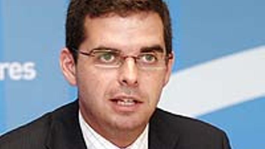 Lucas Bravo de Laguna.
