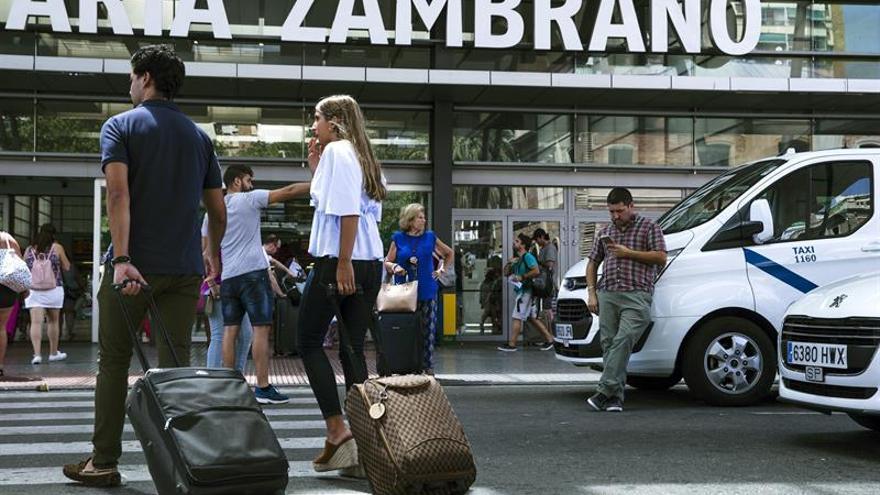 Taxistas de Málaga decidirán sobre la huelga tras analizar compromisos Junta