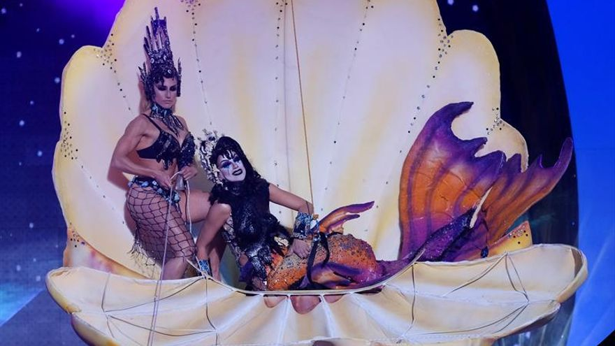 Drag Noa, con su fantasía 'Toxic'. (EFE/Angel Medina G).