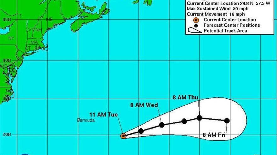 La tormenta subtropical Ana se mantiene estacionaria en la costa sureste de EEUU