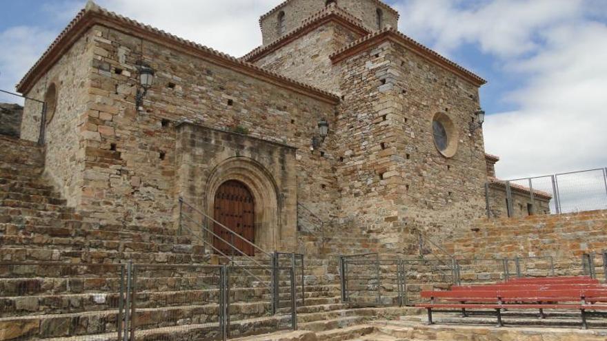 La Ermita de la Virgen de la Peña en San Pedro Manrique, Soria.