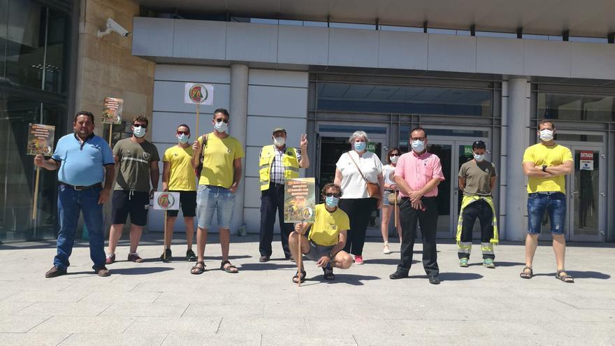 """Los trabajadores de GEACAM alertan de """"recortes"""" en plena campaña de incendios"""