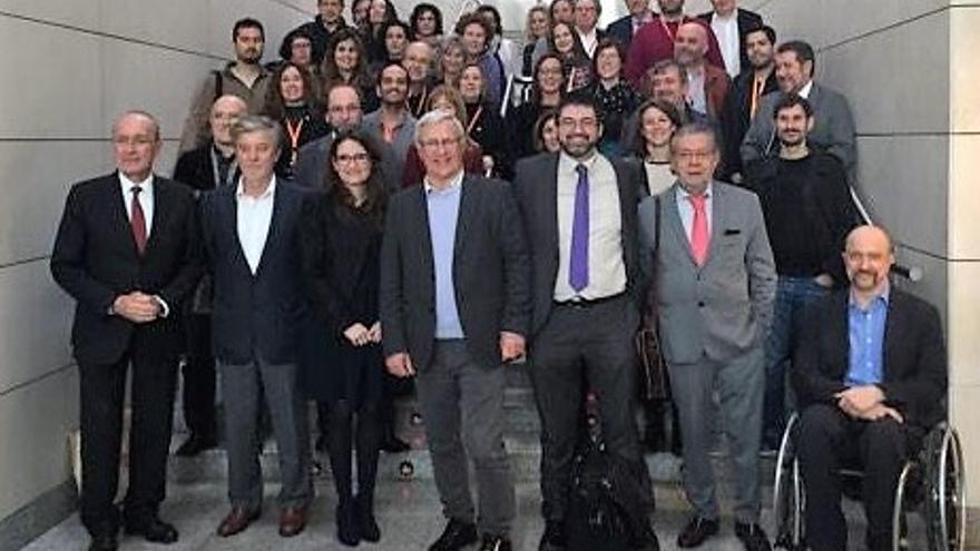 Algunos de los alcaldes y concejales participantes en las jormadas