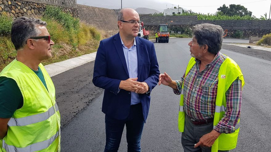 Anselmo Pestana en las obras.
