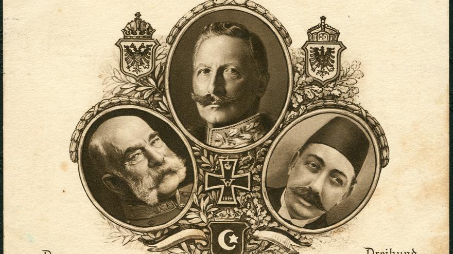 Guillermo II de Alemania, Francisco José I de Austria y el sultán Mehmet V del Imperio Otomano, en un retrato de 1914.
