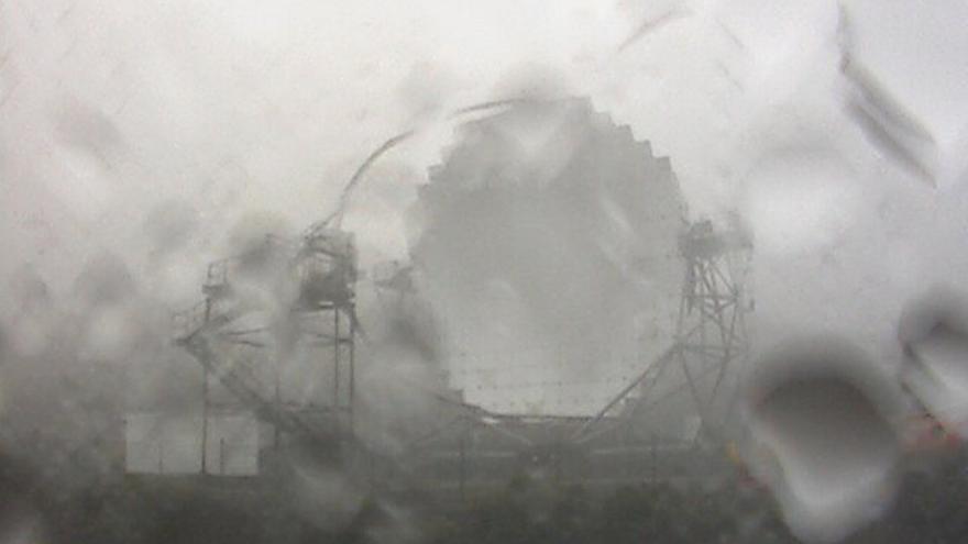 Lluvia en el Roque de Los Muchachos. Imagen captada este jueves de la webcam de los telescopios Magic.