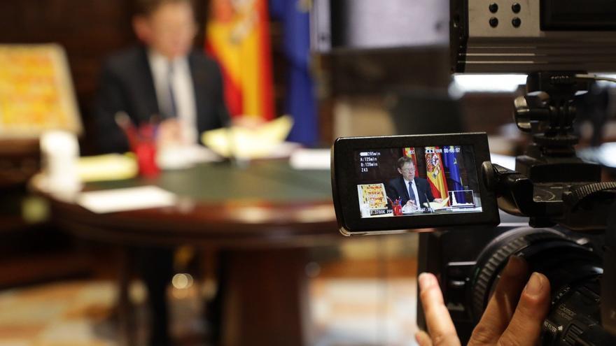 El president Ximo Puig durante la reunión por videoconferencia con Pedro Sánchez.