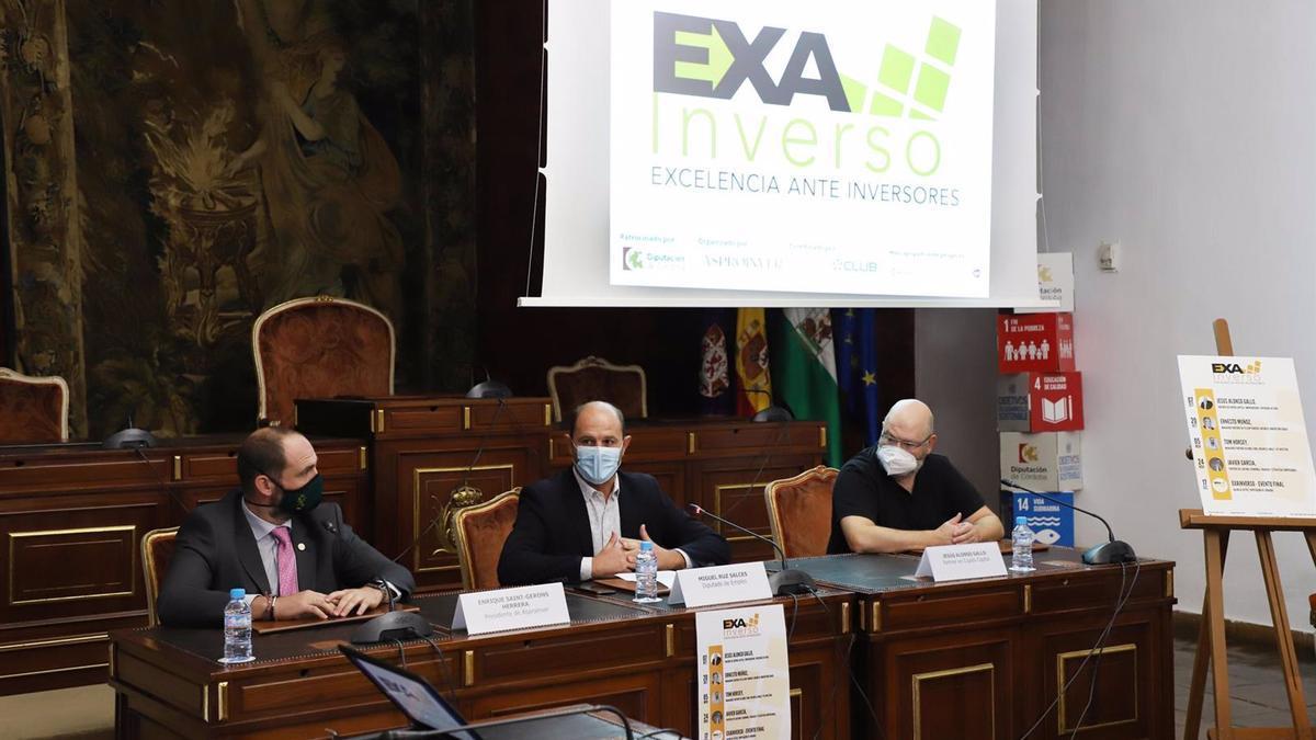 El delegado de Empleo en la Diputación de Córdoba, Miguel Ruz (centro), en la inauguración de la I Jornada del Proyecto 'Exainverso