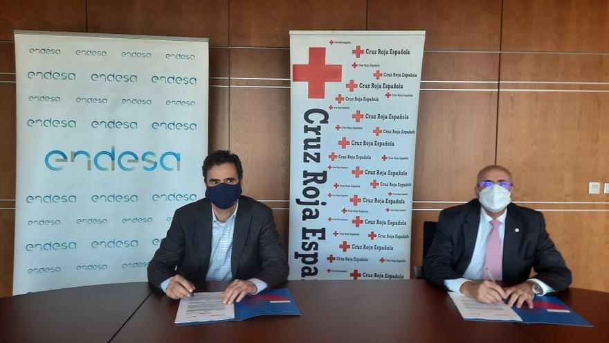 Convenio de Endesa y Cruz Roja para favorecer la inserción laboral de desempleados en las islas