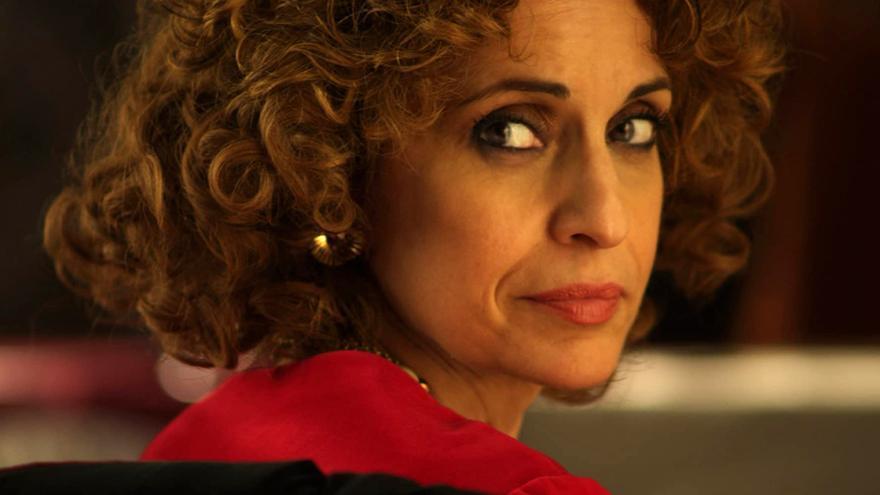 Adriana Ozores en una escena de 'La duquesa', miniserie emitida por Telecinco