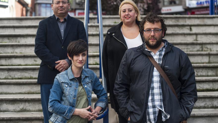 Arriba, Marcelo Campos y Jimena González, de Ganemos Camargo. Abajo, Susana Ruiz y Antonio Mantecón, de Ganemos Santander.   J.G.S.