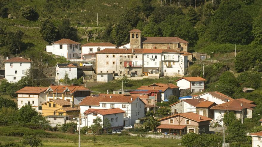 Vista panorámica de la localidad de El Haya, en el límite de Cantabria con el País Vasco. JOAQUÍN GÓMEZ SASTRE