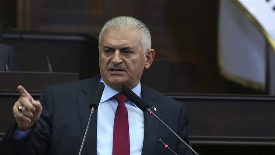 """El primer ministro turco rechaza las """"líneas rojas"""" del Parlamento Europeo"""
