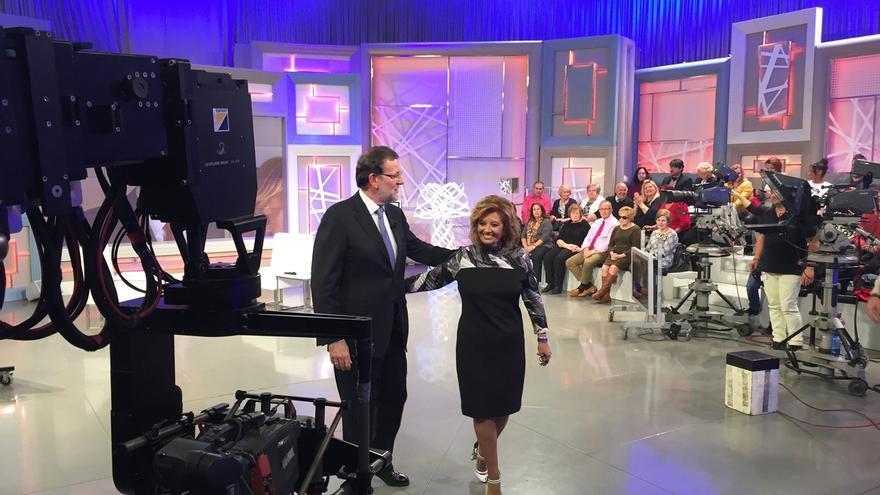 """Rajoy defiende las """"pullas"""" en campaña y recalca que C's y Podemos son partidos que han """"surgido hace media hora"""""""