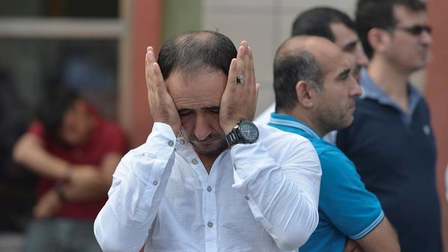 """La comunidad musulmana condena el """"criminal"""" atentado de Estambul"""