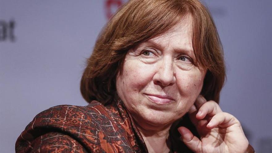 """Svetlana Alexiévich: """"La idea comunista volverá a nuestras vidas"""""""