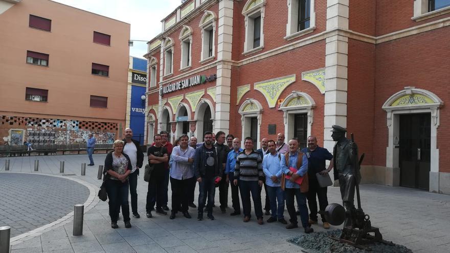 Asistentes a la reunión en Alcázar de San Juan (Ciudad Real)