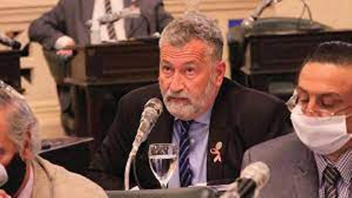 El diputado Miguel Arias fue víctima de un ataque de arma de fuego en un acto de cierre de campaña en Corrientes.
