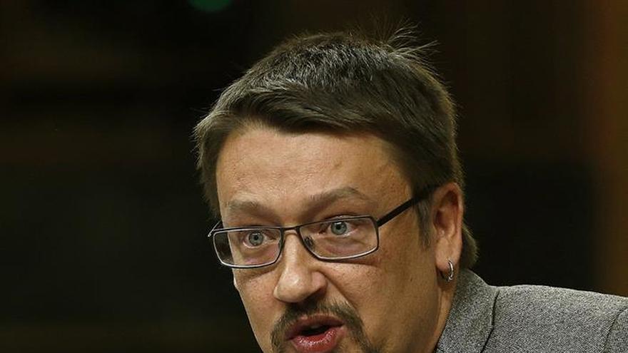 Doménech dice que llevar a Navarro en su lista no supone el apoyo de Iglesias