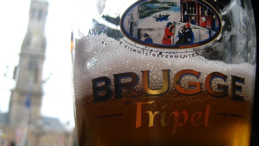 Una cerveza en Brujas; uno de los destinos más cerveceros del mundo. Jeremy Keith (CC)