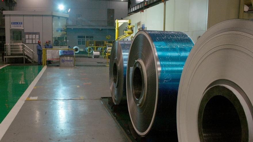 China fusiona dos grandes siderúrgicas para crear la tercera mayor del mundo