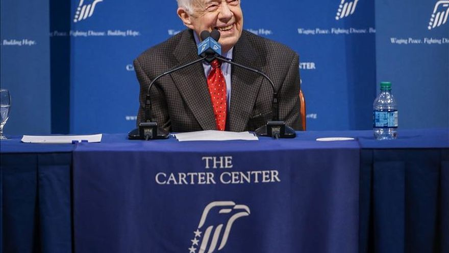 El expresidente estadounidense Jimmy Carter anuncia que está libre de cáncer