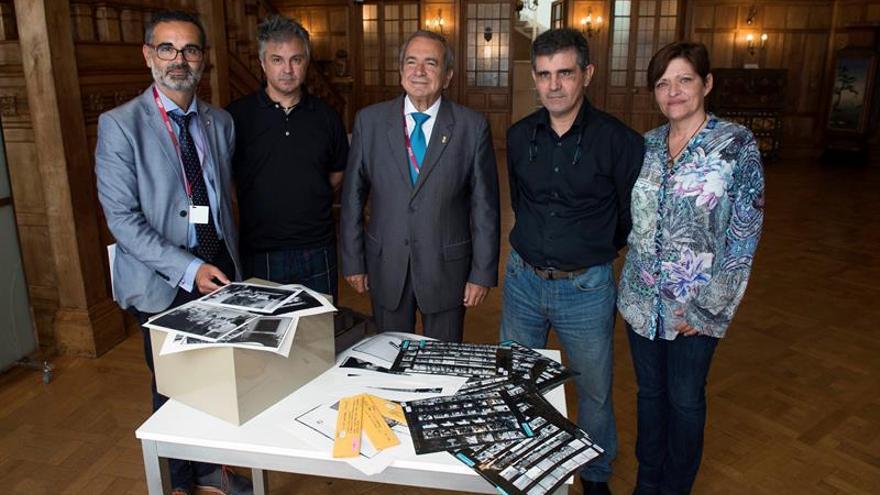 La familia del fotógrafo Juantxu Rodríguez entrega su archivo a la UIMP