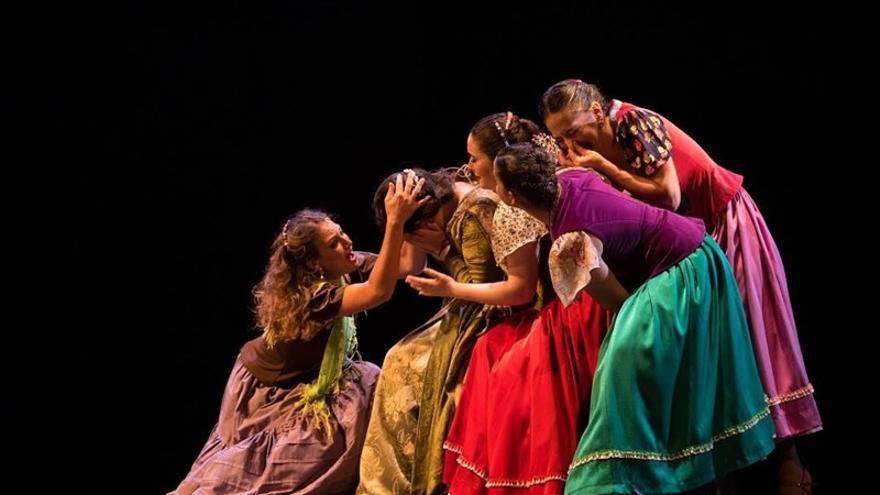 Coreografía de la bailaora Carmen Cortés y su compañía de Danza Flamenca.