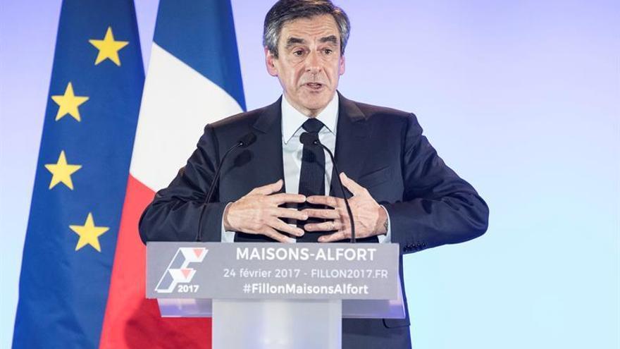 Fillon dice que no se retira de la carrera presidencial francesa