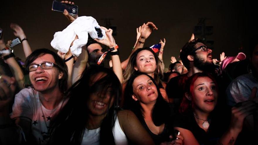 The Strokes rebusca en su pasado y echa el cierre al Lollapalooza Brasil