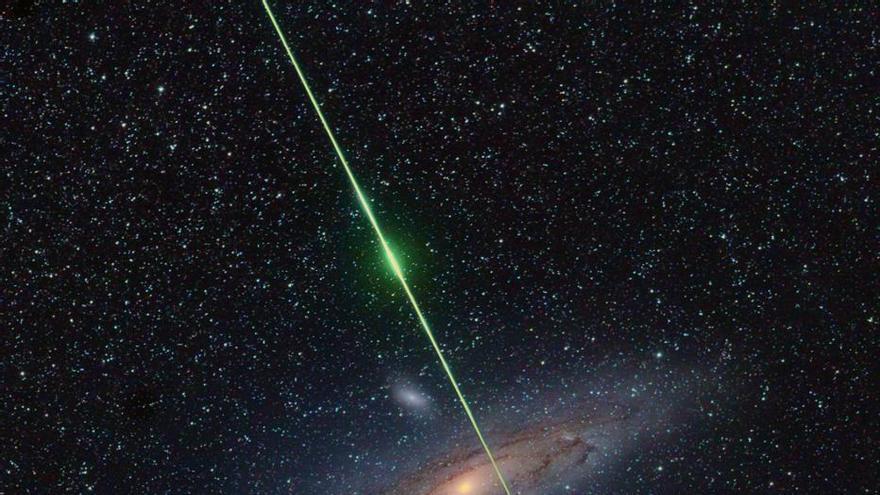 En Cielo profundo ha sido premiada (2º) la imagen de Fritz Helmut  'Cruce la Galaxia Andrómeda'