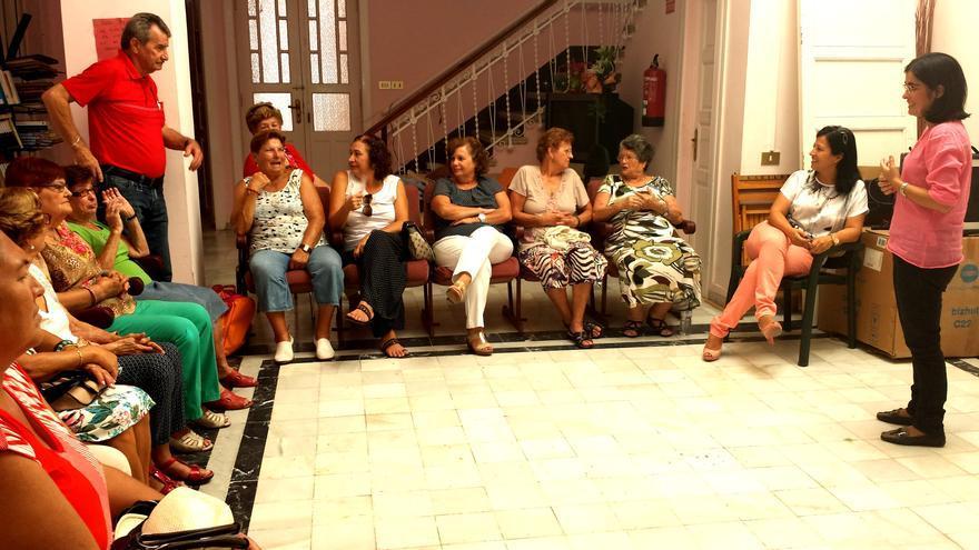 Carolina Darias en su visita a La Gomera.
