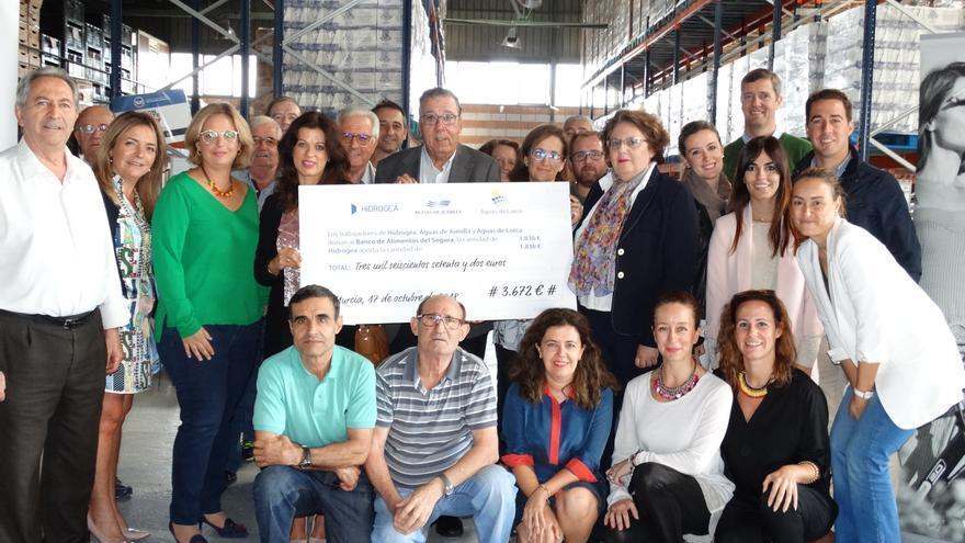 Los trabajadores de Hidrogea consiguen recaudar 3.672€ para el Banco de Alimentos