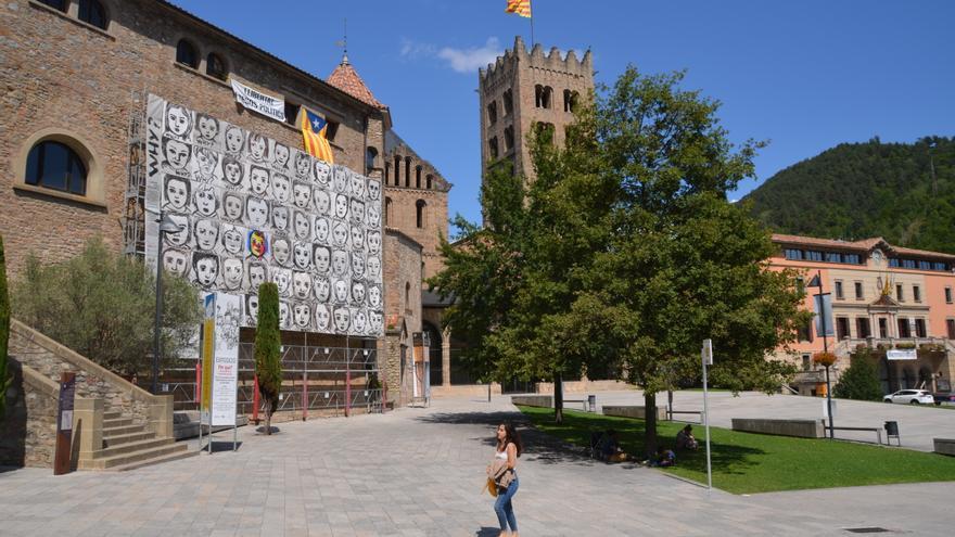 La plaza del Ayuntamiento de Ripoll, el pasado martes.