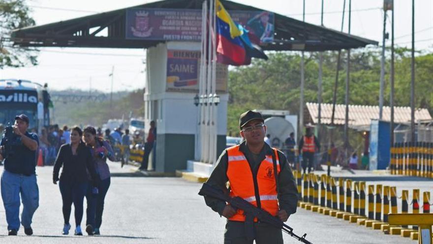 Maduro extiende 72 horas más el cierre con la frontera con Colombia y Brasil