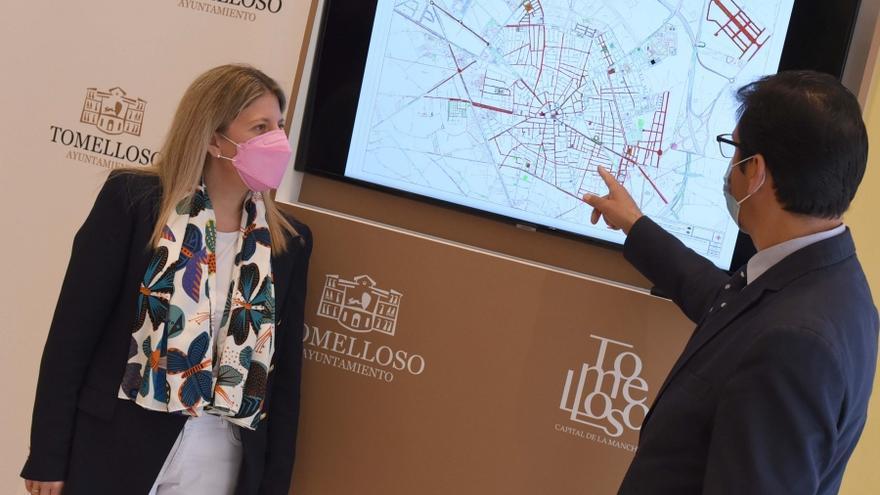 La alcaldesa de Tomelloso junto al presidente de la Diputación de Ciudad Real