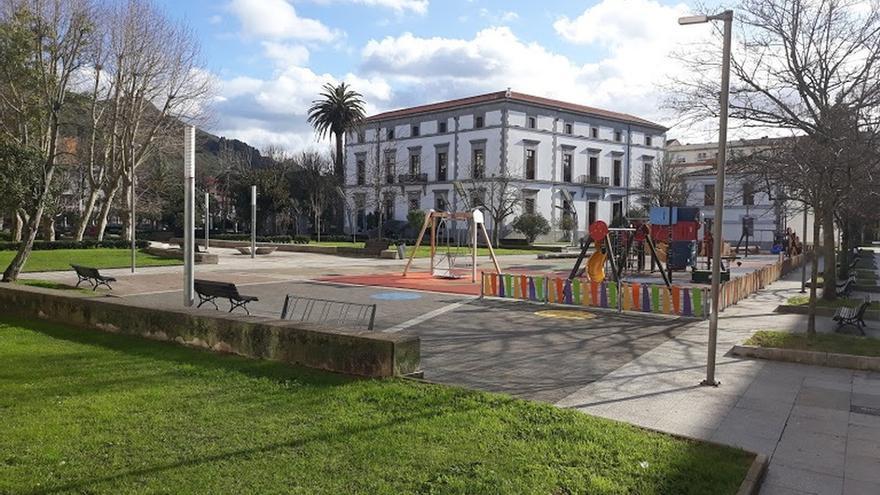 Asociación en Defensa del Patrimonio, contra la ampliación del parque en el jardín de Manzanedo