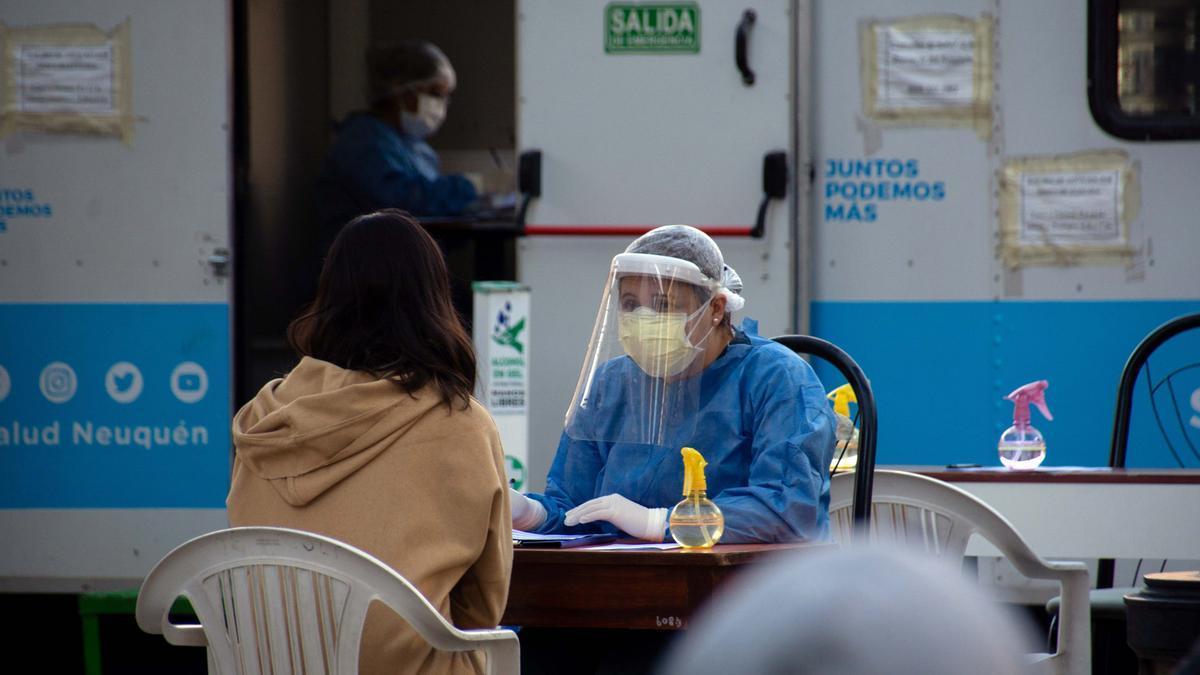 Los testeos se multiplican para combatir el coronavirus