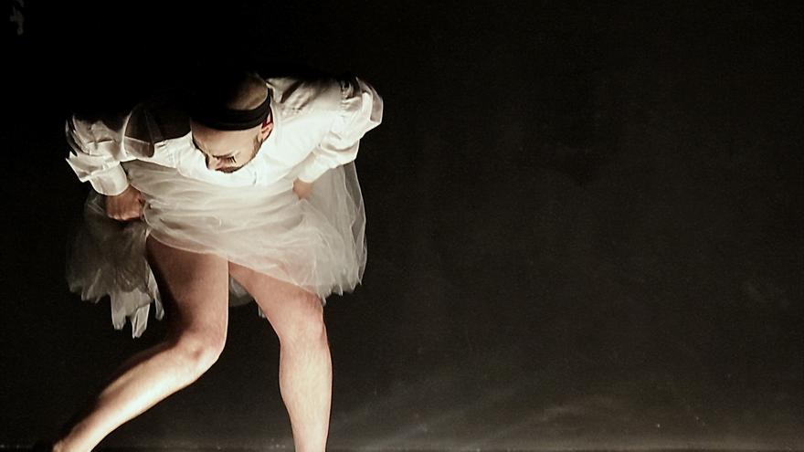 Imagen de 'Fucking Giselle. Ballet dramático de club de carretera para cuatro cadáveres'.