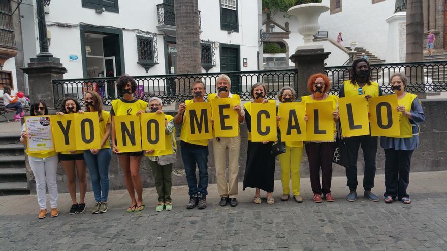 Acto reivindicativo este sábado en la Calle Real. Foto: LUZ RODRÍGUEZ.